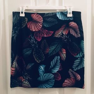 H&M Black with tropical print skirt NWT
